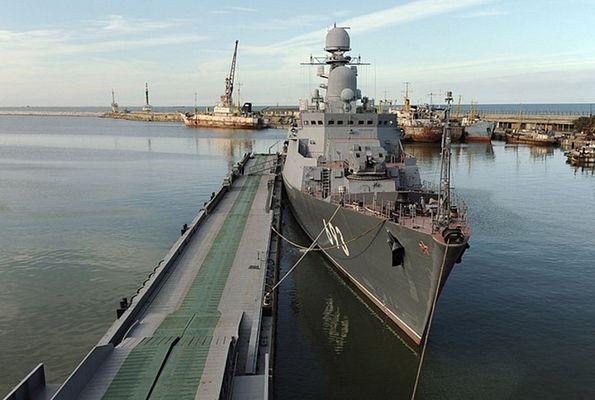 Chiêm ngưỡng loạt tàu chiến Nga tham gia tiêu diệt IS ở Syria - 11