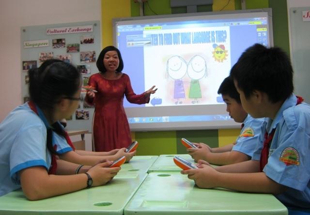 Giờ học tiếng Anh của học sinh Trường tiểu học Trần Hưng Đạo, Q.1, TPHCM (Ảnh: Hoài Nam)