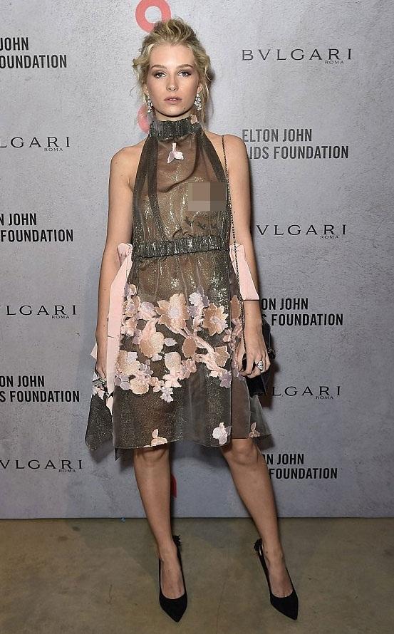 """Em gái Kate Moss """"lộ hàng"""" vì diện váy xuyên thấu - 2"""