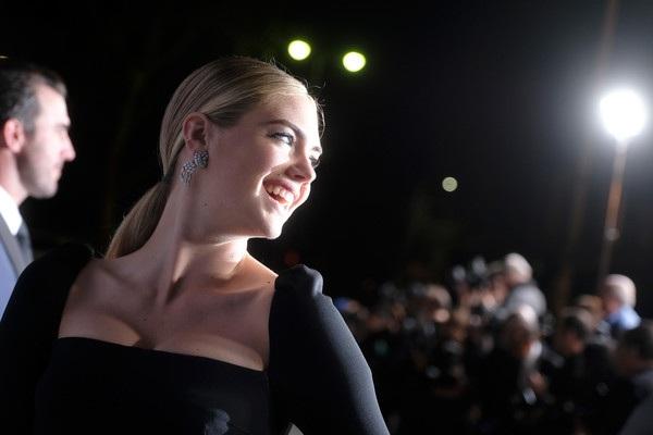 Người đẹp tóc vàng gần đây chuyển hướng sang phát triển sự nghiệp điện ảnh. Cô gây ấn tượng khá tốt với vai diễn trong bộ phim tình cảm - hài The Other Woman
