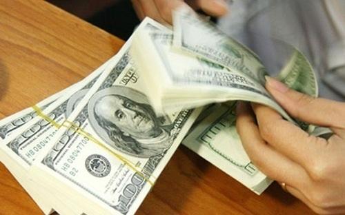 Phiên giao dịch sáng nay 17/10, tỷ giá trung tâm tăng tiếp 5 VND/1 USD.
