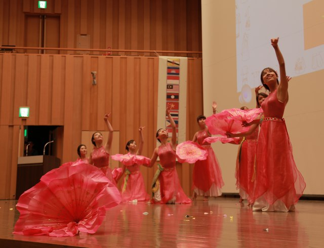 """Hội sinh viên Việt """"ẵm"""" 2 giải Nhất lễ hội Đông Nam Á tại Tokyo - 3"""