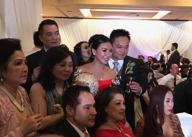 Diễn viên Y Phụng xinh đẹp trong ngày cưới - 5