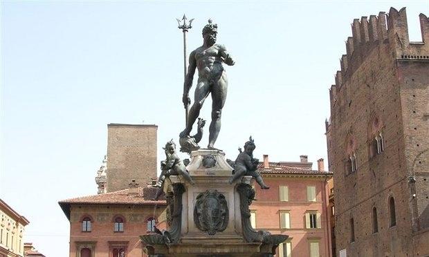 Facebook nhầm lẫn tượng đài phun nước ở Ý là ảnh khiêu dâm - 1