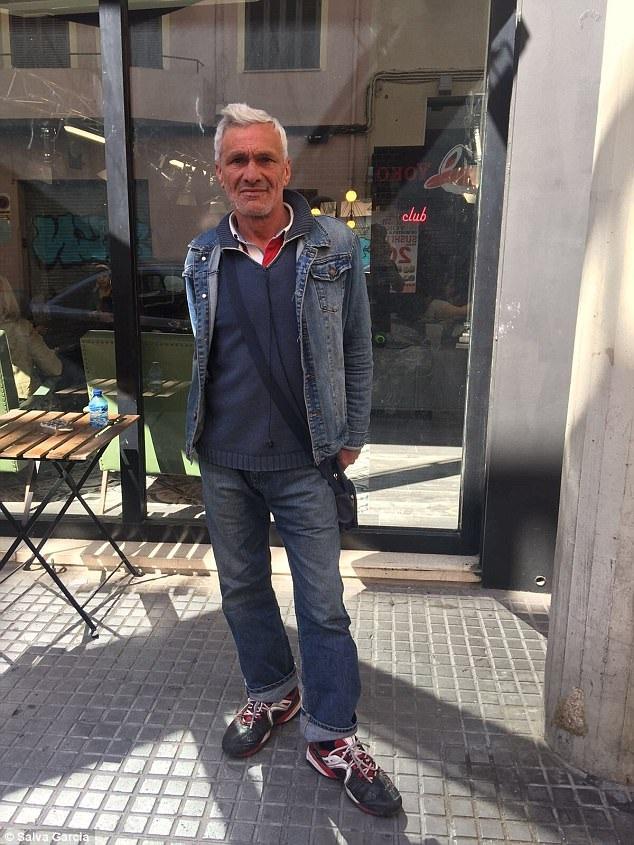 Ông Jose giờ đây không còn vẻ bảnh bao, đỏm dáng như trong đoạn video clip thực hiện từ tháng 6/2015, nhưng ông cố giữ cho mình một diện mạo ổn thỏa để có được việc làm ổn định.
