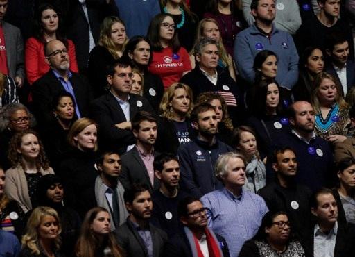 Khán giả chăm chú lắng nghe ông Obama phát biểu (Ảnh: AFP)