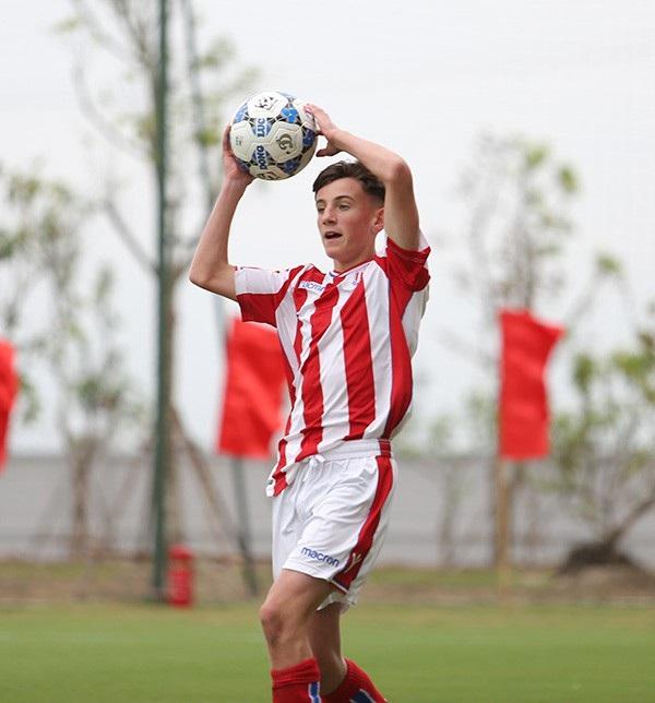 Giám đốc Ryan Giggs khen U15 PVF sau trận thắng U15 Stoke City - 11