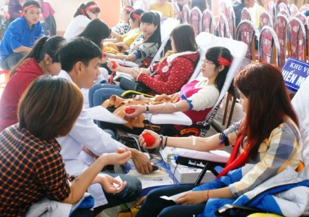 Thiếu 125.000 đơn vị máu dành điều trị dịp Tết - 1