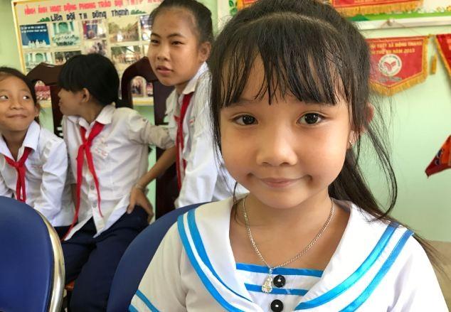 Em Thảo Nhi trường Đông Thạnh mong học giỏi để trở thành bác sĩ chữa bệnh cho ngoại