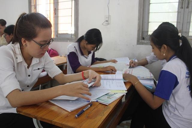 Sinh viên học ngành ngôn ngữ Khmer tại trường ĐH Trà Vinh