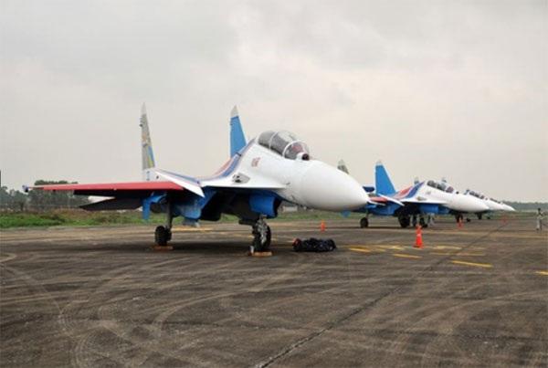 Hình ảnh phi đội Su-30SM dũng mãnh tại Nội Bài - 1