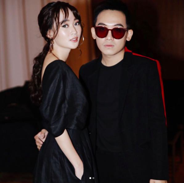 Hình ảnh hot girl Sun HT và bạn trai Phở Đặc Biệt tại giải thưởng dành cho người trẻ có ảnh hưởng trên mạng xã hội tại Malaysia. Ca sĩ Hàn Quốc Jessica có mặt trong sự kiện này.