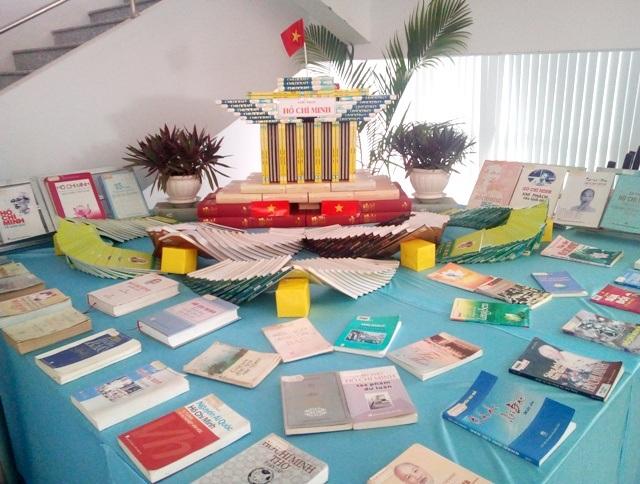 Mô hình Lăng Chủ tịch Hồ Chí Minh.