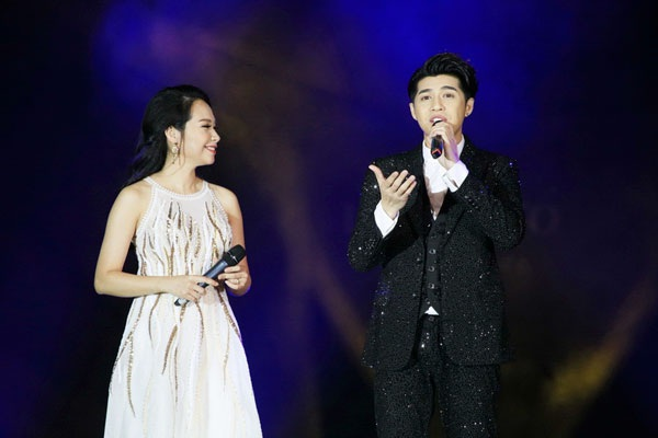 Thu Minh, Noo Phước Thịnh gây bất ngờ khi hát nhạc cách mạng - 6