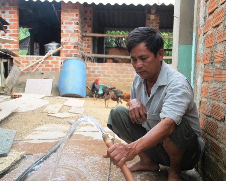 """Bình Định: Ống dẫn nước sạch về tận nhà, dân vẫn """"khát"""" nước - Ảnh 2."""
