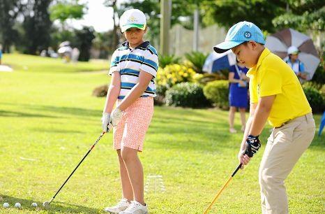 """Không chỉ là ngày hội dành cho người lớn, """"Ngày hội thể thao Phú Mỹ Hưng 2017"""" còn dành nhiều """"đất"""" để các cư dân nhí thể hiện tài năng thể thao cùng nhiều hoạt động vui chơi thú vị."""
