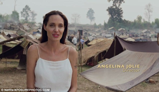 """Angelina Jolie đã vừa chia sẻ quá trình tuyển chọn diễn viên nhí cho phim tài liệu về đề tài """"First They Killed My Father"""""""