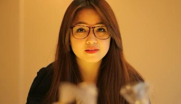 Sa Lim trong clip mùa Valentine trở thành hiện tượng năm 2013.