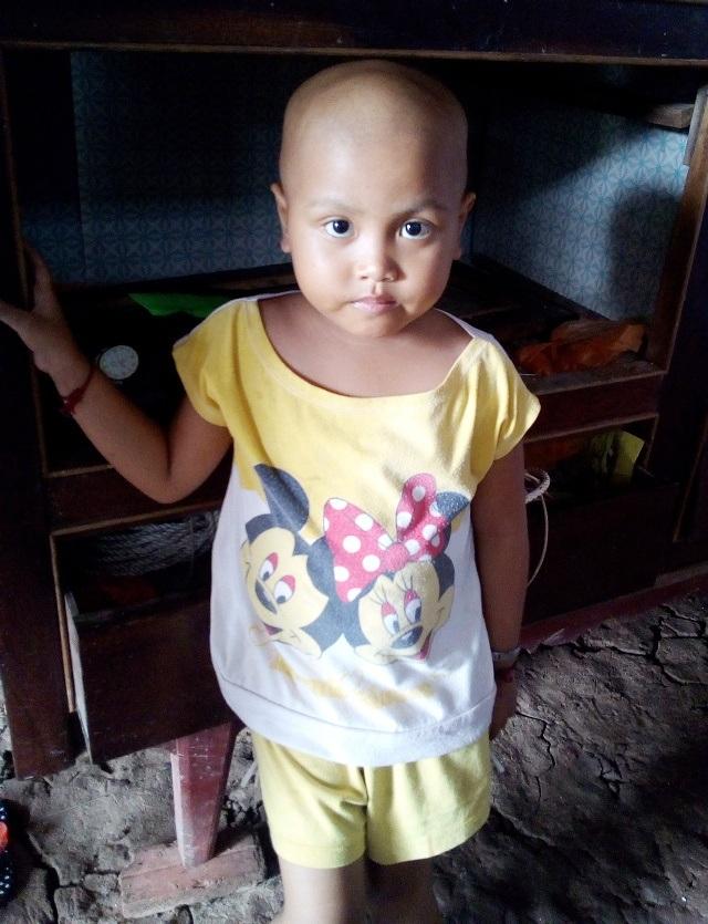 Mới 5 tuổi đầu, cháu Sơn Thị Ngọc đã mắc phải căn bệnh hiểm nghèo ung thư máu.