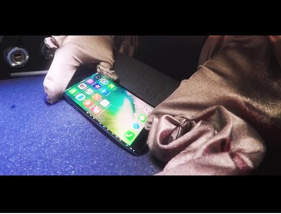 Nhóm nghiên cứu trong nỗ lực vượt qua bảo mật từ cảm biến vân tay trên iPhone.