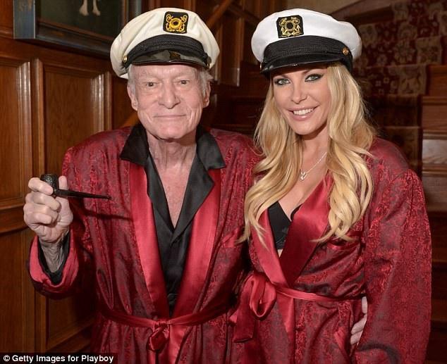 """""""Ông trùm Playboy"""" Hugh Hefner và người vợ thứ 3 - Crystal Harris."""