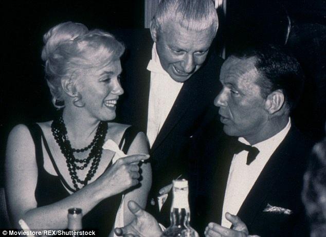 Nam ca sĩ Frank Sinatra là một trong những người bạn thân thiết của Marilyn trong thời gian cô lưu lại New York.