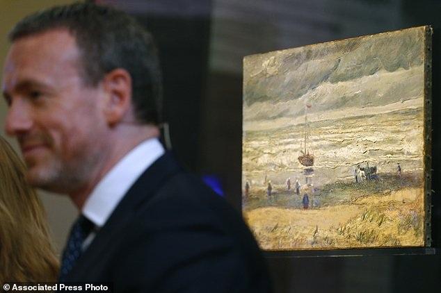 Hiện tại, hai bức tranh đã được đem trưng bày trở lại. Tiếp theo đây, người ta sẽ tính phương án phục chế.