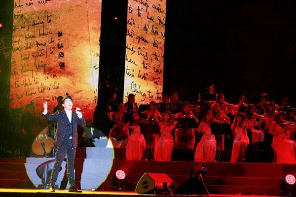 Thu Minh, Noo Phước Thịnh gây bất ngờ khi hát nhạc cách mạng - 3