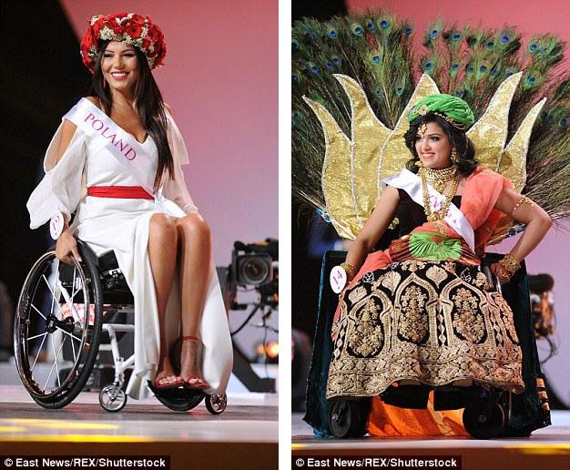 Các người đẹp tham gia phần thi trang phục truyền thống. Trong ảnh là Adrianna Zawadzinska đến từ Ba Lan và Rajalakshmi SJ đến từ Ấn Độ.