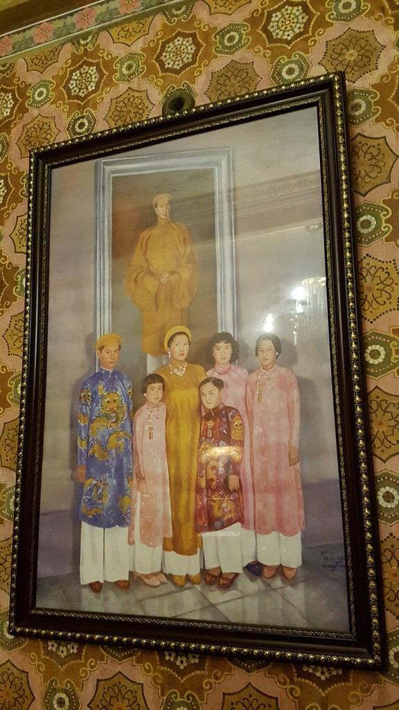 Bức ảnh gia đình cựu hoàng Bảo Đại