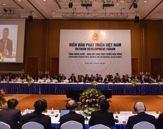 Diễn đàn phát triển Việt Nam sáng 13/12, tại Hà Nội