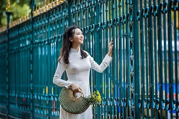 Cùng ngắm vẻ đẹp dịu dàng, đậm chất con gái Tràng An của Trang Linh.