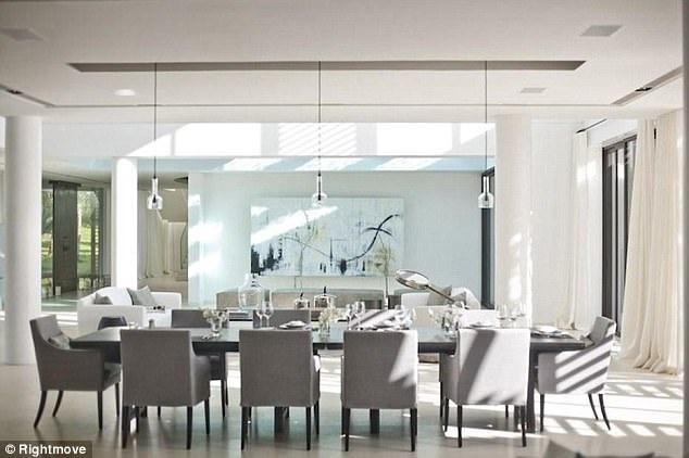 Nội thất được thiết kế đồng bộ để tạo hiệu ứng thẩm mỹ cao nhất cho không gian sống của chủ nhân.