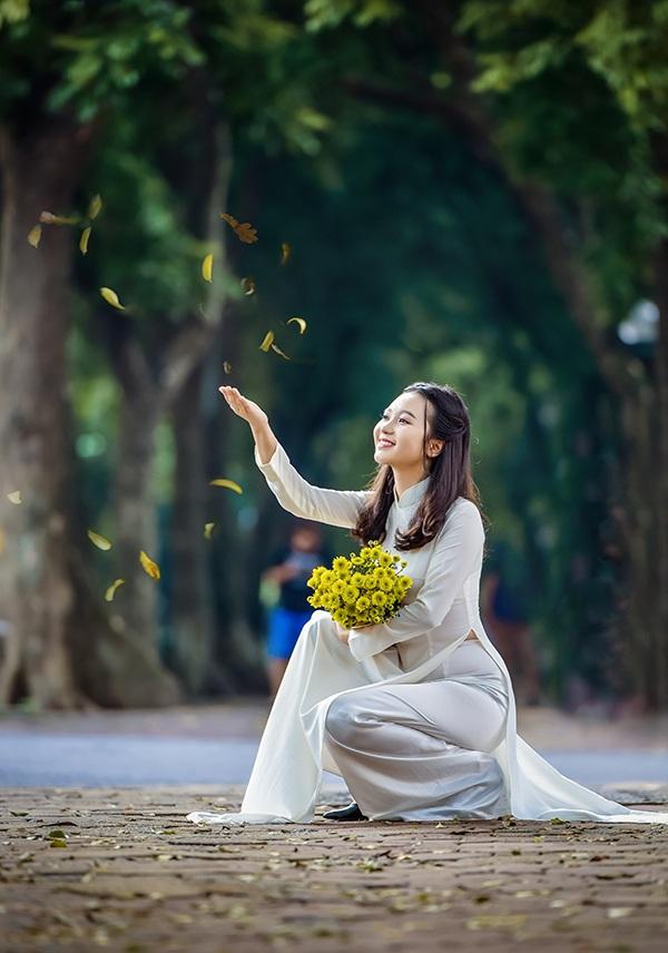Đa số thời gian rảnh Linh dành để học ngoại ngữ, đọc sách bằng cả hai thứ tiếng Việt và Anh. Ngoài ra, Linh còn thích vẽ tranh và trồng cây.