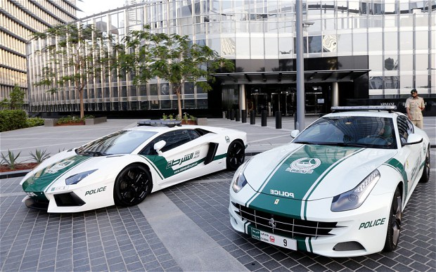 Chán siêu xe, cảnh sát Dubai chuyển sang môtô bay - 5