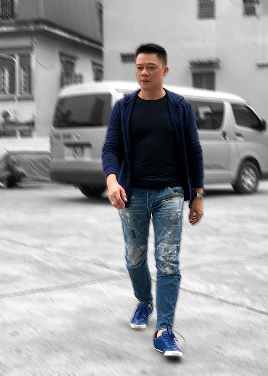 """Quang Minh chia sẻ câu nói mà anh tâm đắc trong quyển sách """"Tủ sách hay về cuộc sống"""" trên trang cá nhân: """"Mỗi ngày là một cuộc hành trình. Tôi có thể đi không nhanh nhưng không bao giờ tụt lại""""."""