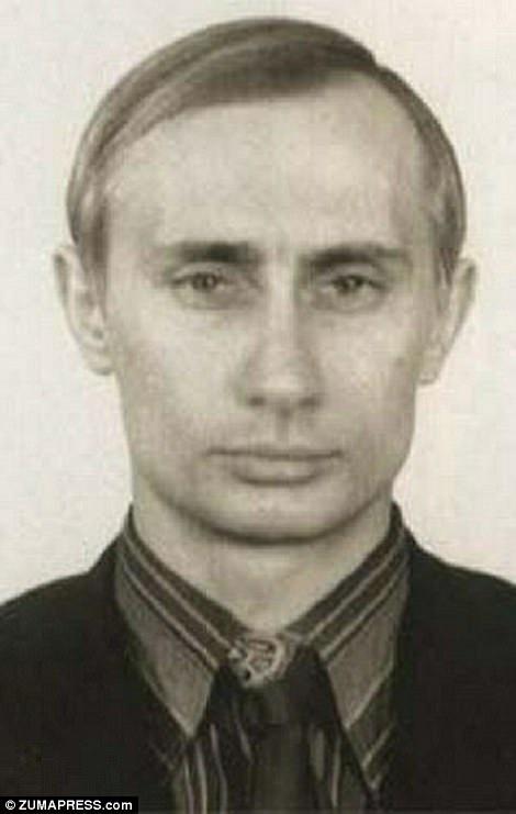 Hình chụp ông Putin vào những năm đầu thập niên 1980, thời điểm ông đính hôn với người vợ Lyudmila, một tiếp viên hàng không.