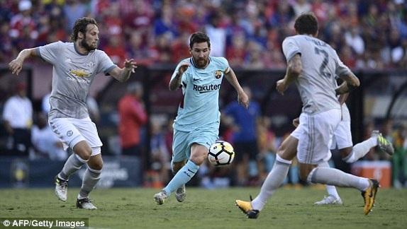 Messi chơi khá năng nổ ở đầu trận
