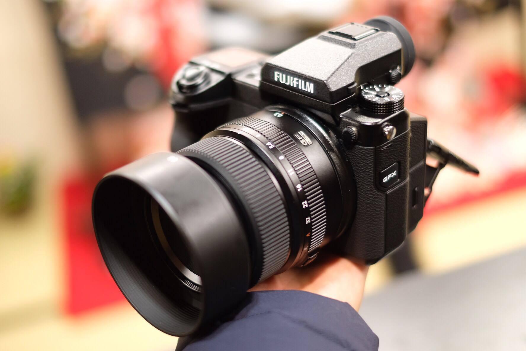 Trên tay Fujifilm GFX 50S, máy ảnh sở hữu cảm biến Medium Format đầu tiên - 1