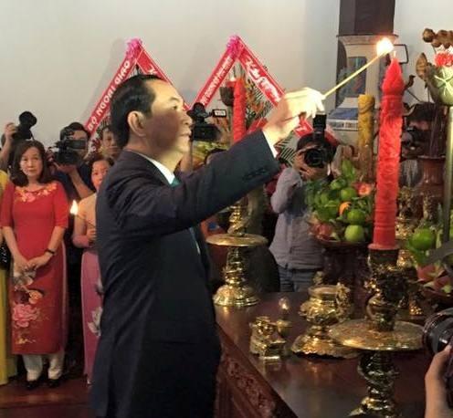 Chủ tịch nước thả cá chép trên sông Sài Gòn - 3
