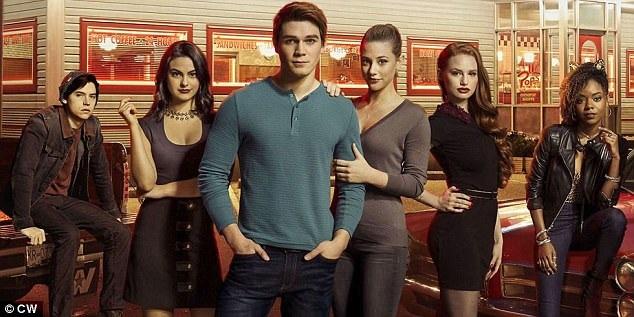 """Hiện tại, kênh The CW và hãng phim Warner Bros đang dựng kịch bản cho loạt phim mới với ý tưởng rằng đây sẽ là một phần phim ngoại truyện, bổ sung cho loạt phim """"Riverdale"""" hiện đang lên sóng."""