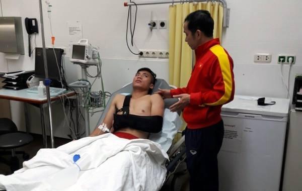 HLV Hoàng Anh Tuấn tiếc cho chấn thương của Tiến Dụng