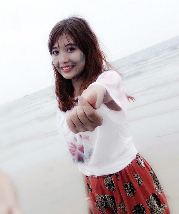 Nguyễn Thị Hoa, SN 1995, xinh xắn đáng yêu trong một lần tham gia ngoại khóa cùng với lớp ở Trường Đại học Hà Tĩnh.