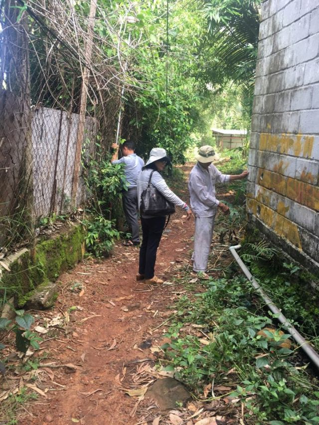Đo đạc kiểm tra hiện trạng công trình xây dựng bị tố lấn chiếm của Công ty Hải Lưu vào cuối tháng 6/2017.