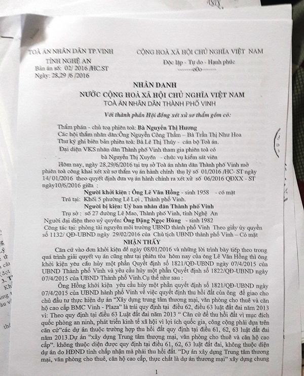 Bản án của TAND TP Vinh đã yêu cầu UBND TP Vinh hủy một phần Quyết định số 1821, 1822/QĐ-UBND của UBND TP Vinh.