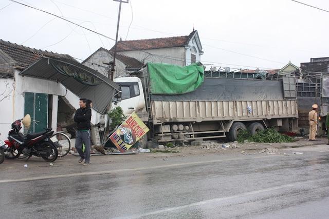 Hiện trường vụ tai nạn ngày 20/1 trên quốc lộ 1A.