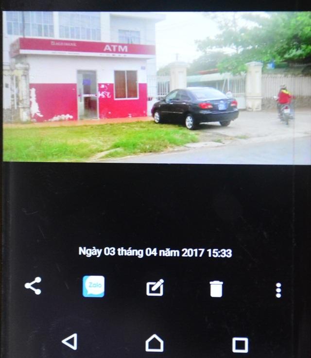 Người dân cung cấp bức ảnh chứng minh đã chụp hình chiếc xe biển xanh vào ngày 3/4.