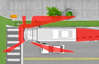 Tai nạn thương tâm khi vượt xe công-ten-nơ - 1
