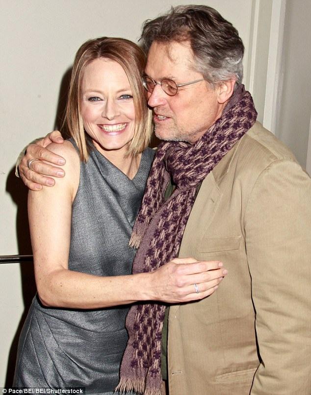 Nữ diễn viên Jodie Foster và đạo diễn Jonathan Demm đã trở thành hai người bạn thân thiết kể từ sau khi hợp tác trong bộ phim kinh dị được xếp vào hàng đỉnh cao nghệ thuật.