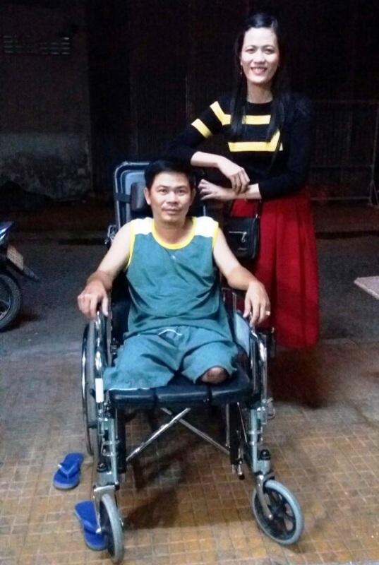 Anh Hòa (TP Cao Lãnh) bị tai nạn và phải cắt hết 2 chân. Sau lần cô giáo Minh Tâm đến thăm, động viên, anh Hòa vui sống trở lại. Hiện nay anh có thu nhập ổn định từ nghề sửa xe